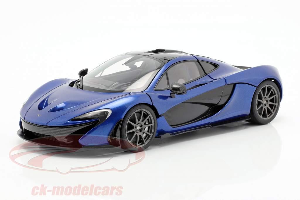 McLaren P1 ano de construção 2013 azul azul 1:18 AUTOart
