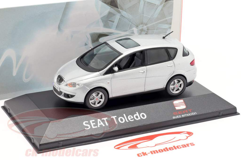 Seat Toledo gris argenté métallique 1:43 Seat
