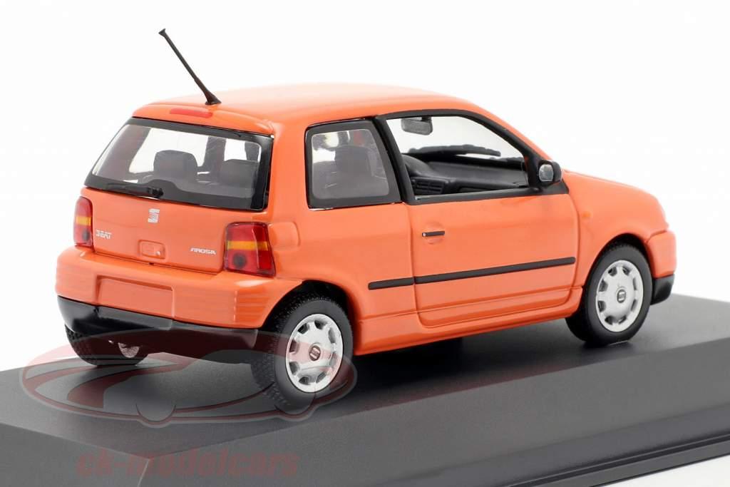 Seat Arosa Bouwjaar 1997 helder oranje 1:43 Minichamps