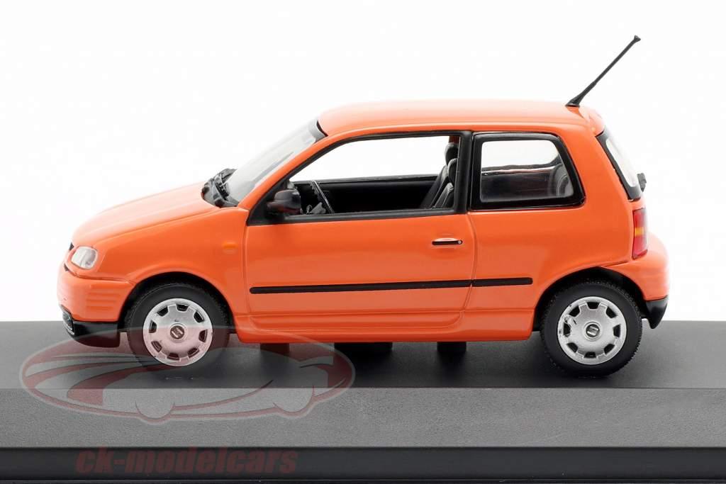 Seat Arosa année de construction 1997 brillant orange 1:43 Minichamps
