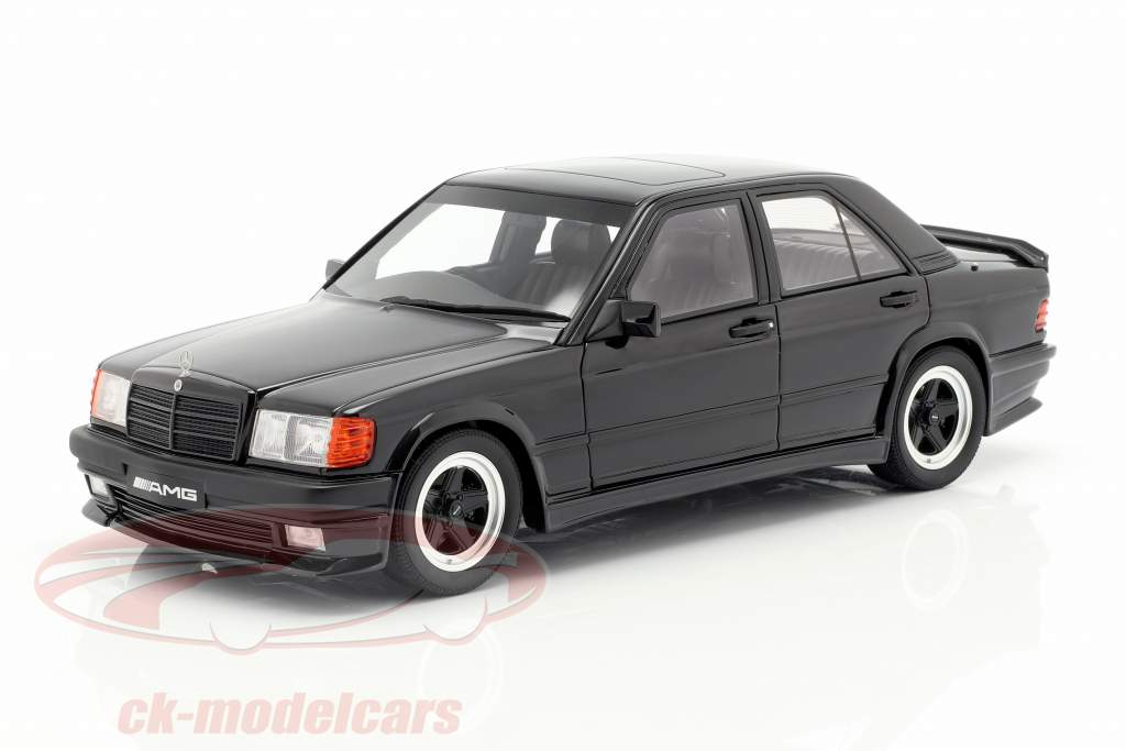 Mercedes-Benz 190E 2.3 AMG Opførselsår 1984 sort 1:18 OttOmobile