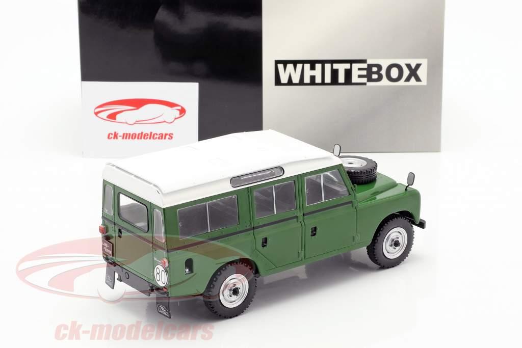 Land Rover Series III 109 Baujahr 1980 grün / weiß 1:24 WhiteBox
