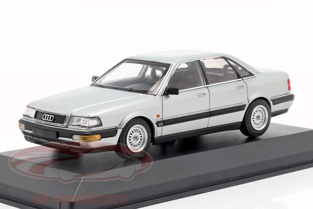 Audi V8 (4C) Baujahr 1988 silber metallic 1:43 Minichamps