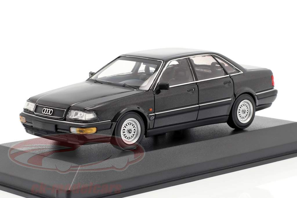 Audi V8 (4C) Baujahr 1988 schwarz metallic 1:43 Minichamps