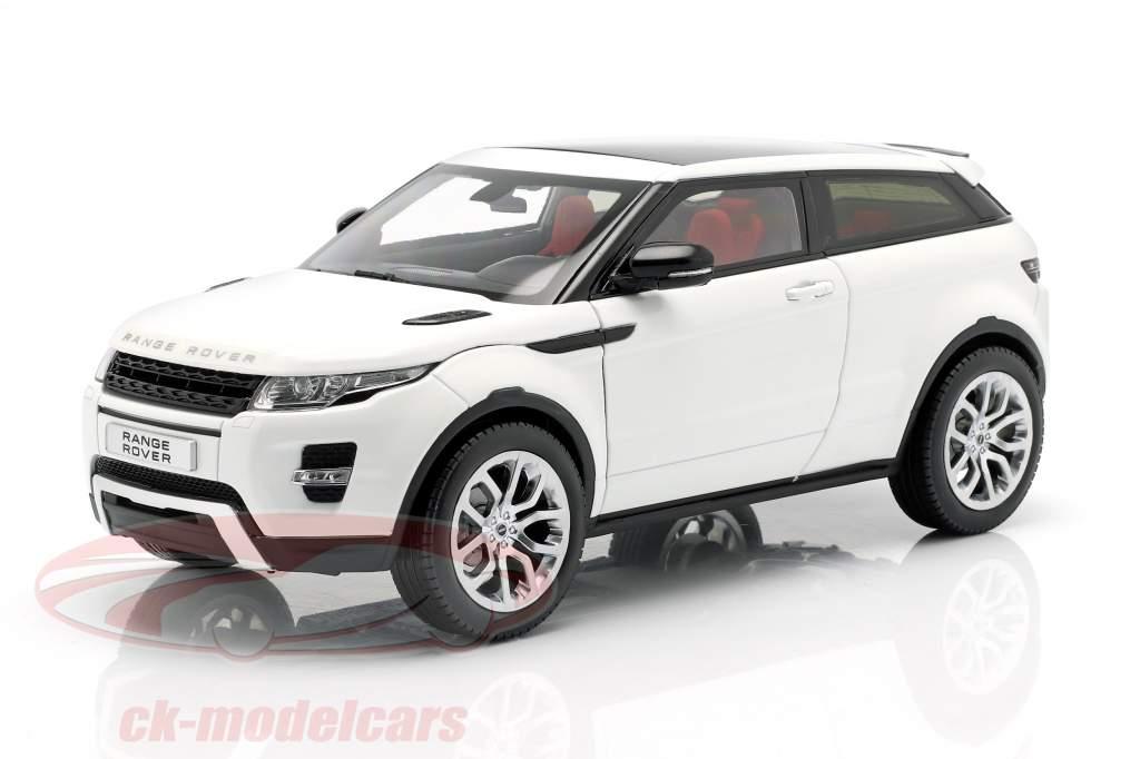 Land Rover Range Rover Evoque Год постройки 2011 белый 1:18 Welly GTA