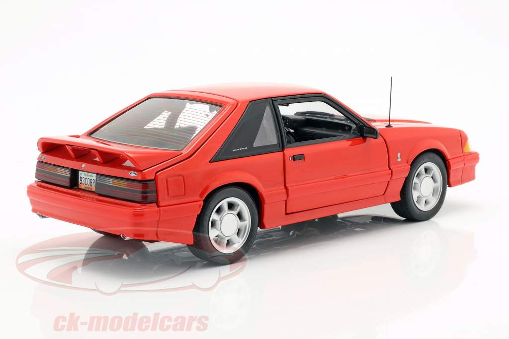 Ford Mustang Cobra Baujahr 1993 rot 1:18 GMP