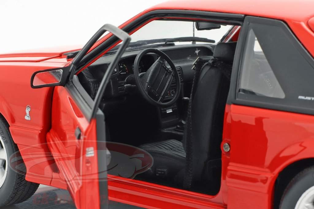 Ford Mustang Cobra Opførselsår 1993 rød 1:18 GMP