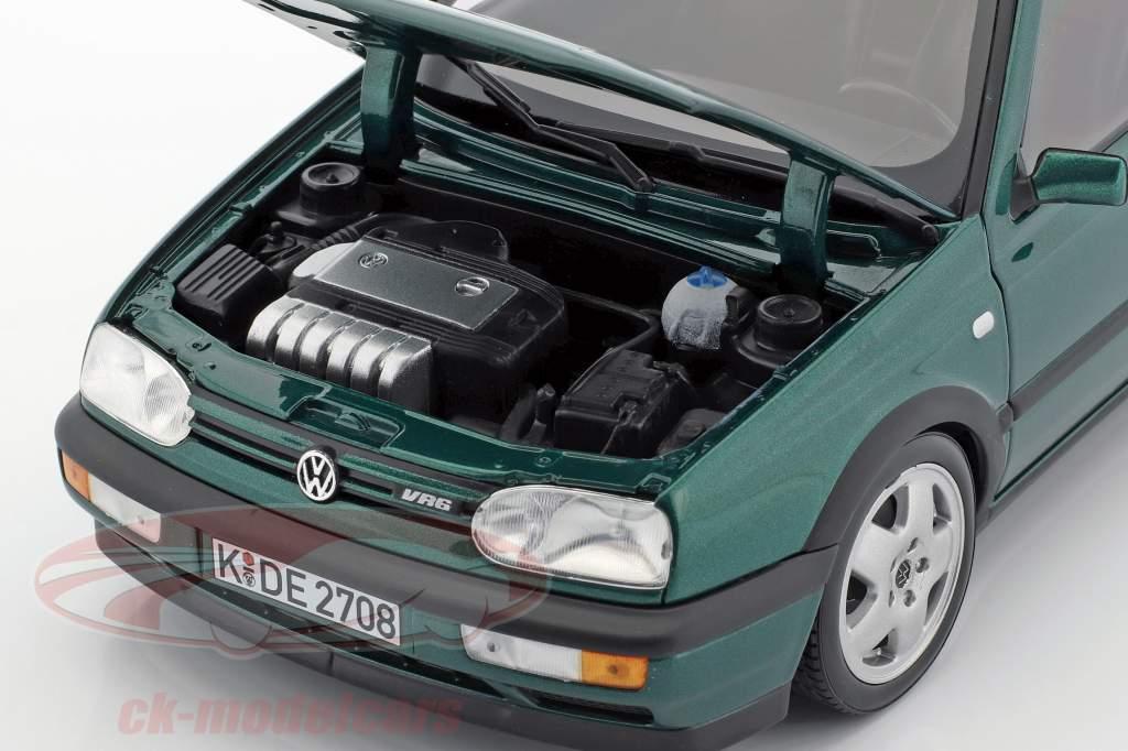 Volkswagen VW Golf III VR6 Baujahr 1996 grün metallic 1:18 Norev