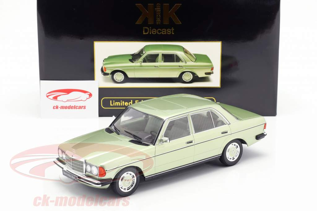 Mercedes-Benz 280E (W123) ano de construção 1977 brilhante verde metálico 1:18 KK-Scale