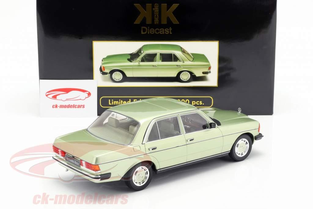 Mercedes-Benz 280E (W123) Bouwjaar 1977 helder groen metalen 1:18 KK-Scale