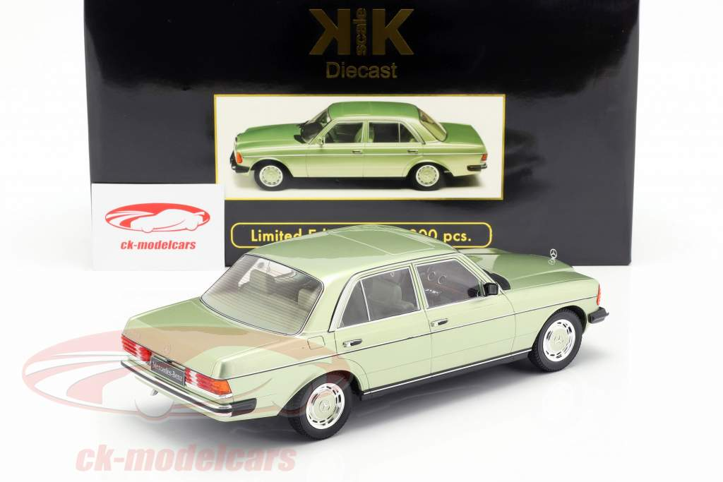 Mercedes-Benz 280E (W123) Opførselsår 1977 lyse grøn metallisk 1:18 KK-Scale