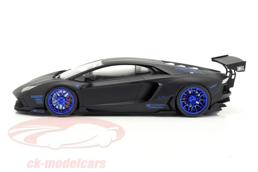 Lamborghini Aventador LB-Works Baujahr 2017 mattschwarz / blau 1:12 GT-Spirit