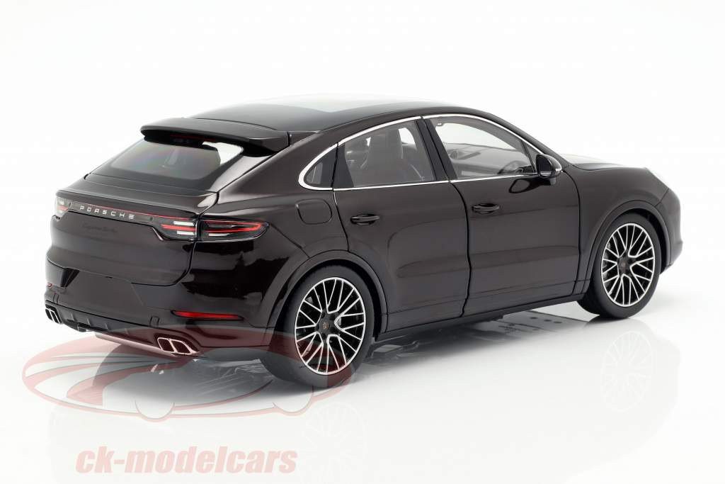 Porsche Cayenne Turbo Coupe 2019 mahogany brown metallic with showcase 1:18 Norev