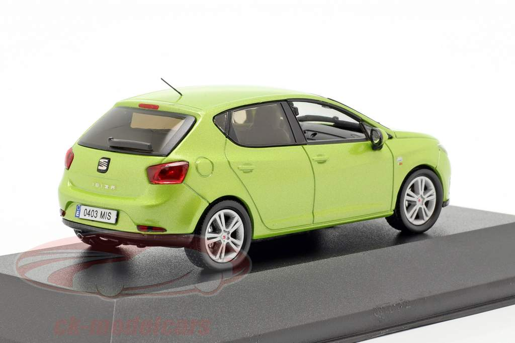 Seat Ibiza IV ano de construção 2008-2017 amarillo citrus verde metálico 1:43 Seat