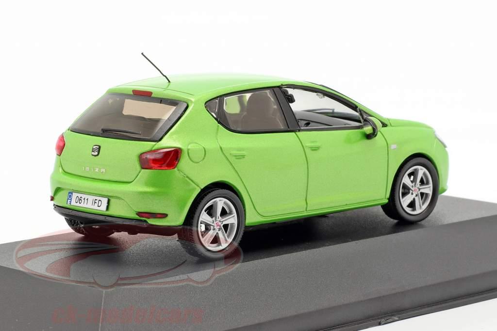 Seat Ibiza IV ano de construção 2008-2017 face verde metálico 1:43 Seat