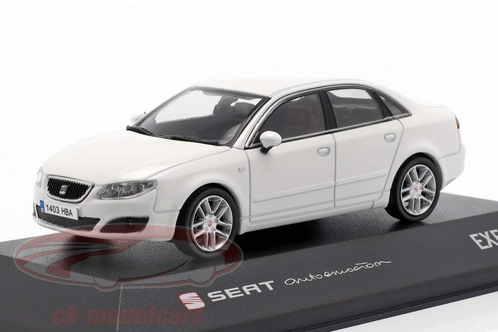 Seat Exeo Limousine candy bianco 1:43 Seat