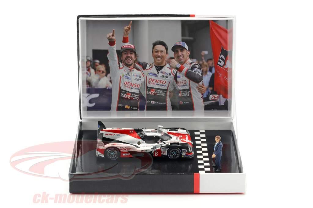Toyota TS050 Hybrid #8 Winner 24h LeMans 2018 with figure 1:43 Spark