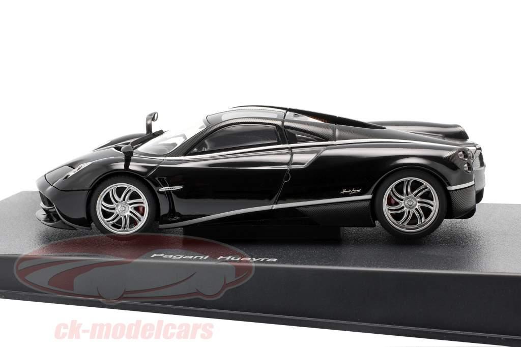 Pagani Huayra jaar 2011 zwart / zilver 1:43 AUTOart