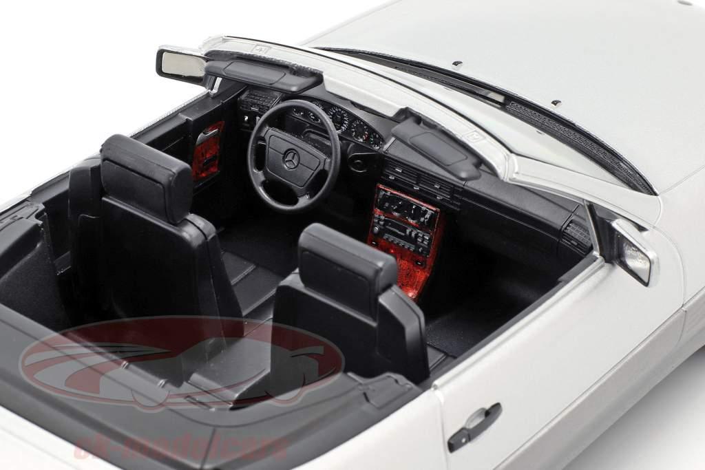 Mercedes-Benz 500 SL (R129) Baujahr 1993 silber 1:18 KK-Scale