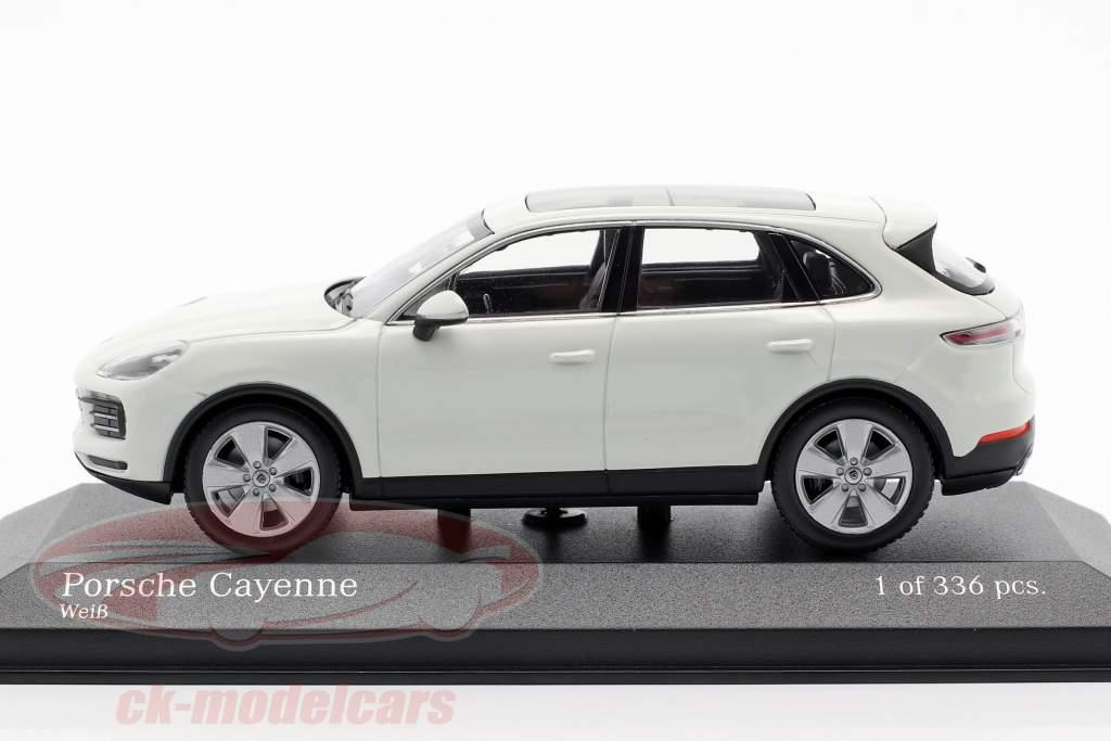 Porsche Cayenne Opførselsår 2017 hvid 1:43 Minichamps