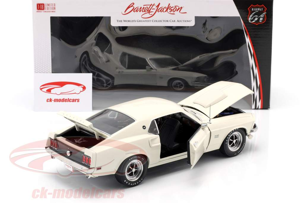 Ford Mustang Boss 429 year 1969 white 1:18 Greenlight