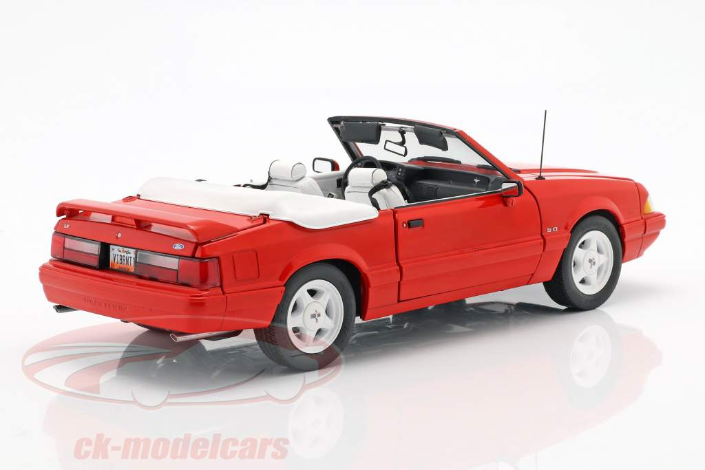 Ford Mustang LX Convertible year 1992 red 1:18 GMP