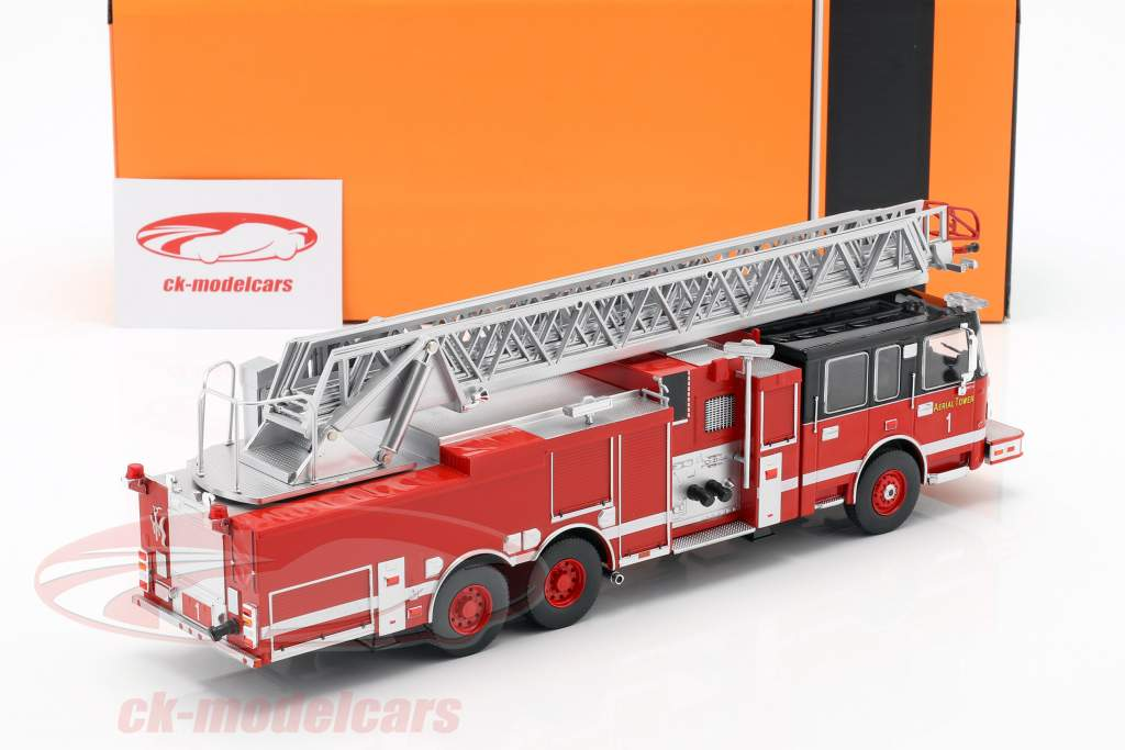 Smeal 105 Aerial Ladder brandvæsen Opførselsår 2015 rød / sort 1:43 Ixo