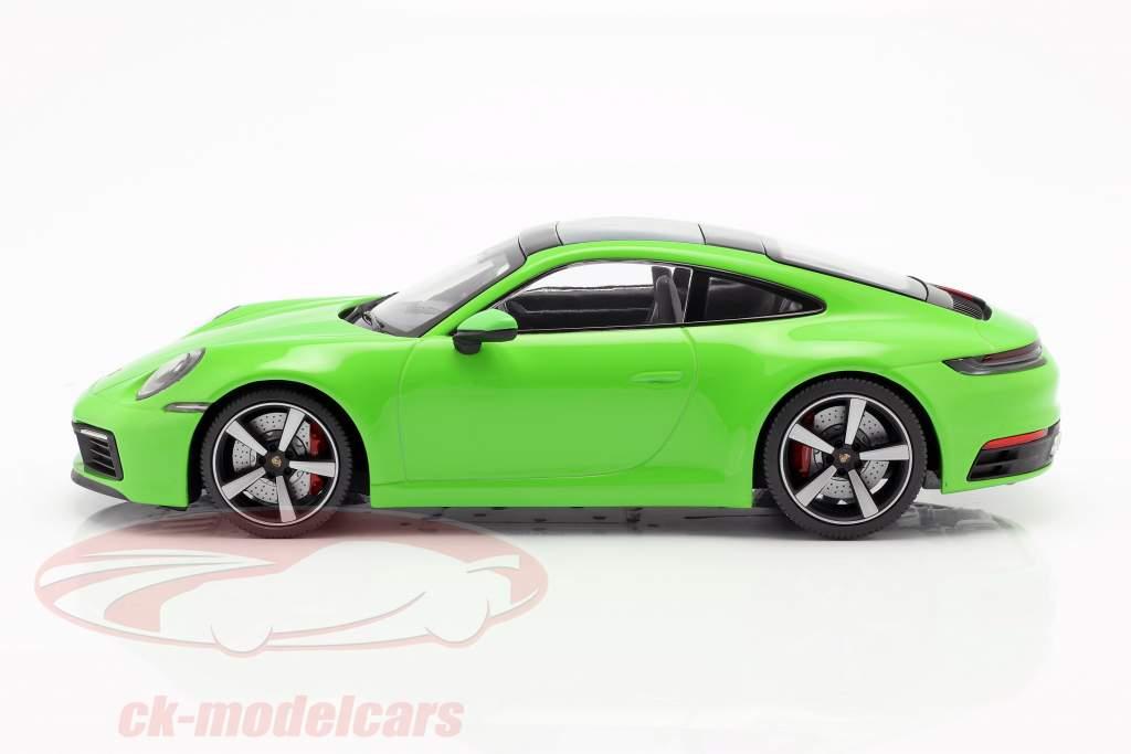 Porsche 911 (992) Carrera 4S ano de construção 2019 verde 1:18 Minichamps