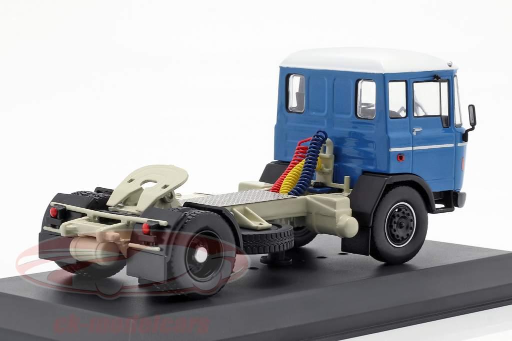 DAF 2600 Sattelzugmaschine Baujahr 1970 blau 1:43 Ixo