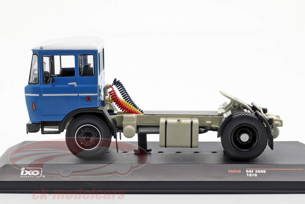 DAF 2600 vrachtwagen Bouwjaar 1970 blauw 1:43 Ixo