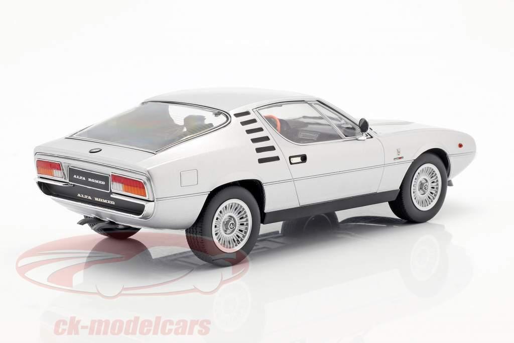 Alfa Romeo Montreal Bouwjaar 1970 zilver 1:18 KK-Scale