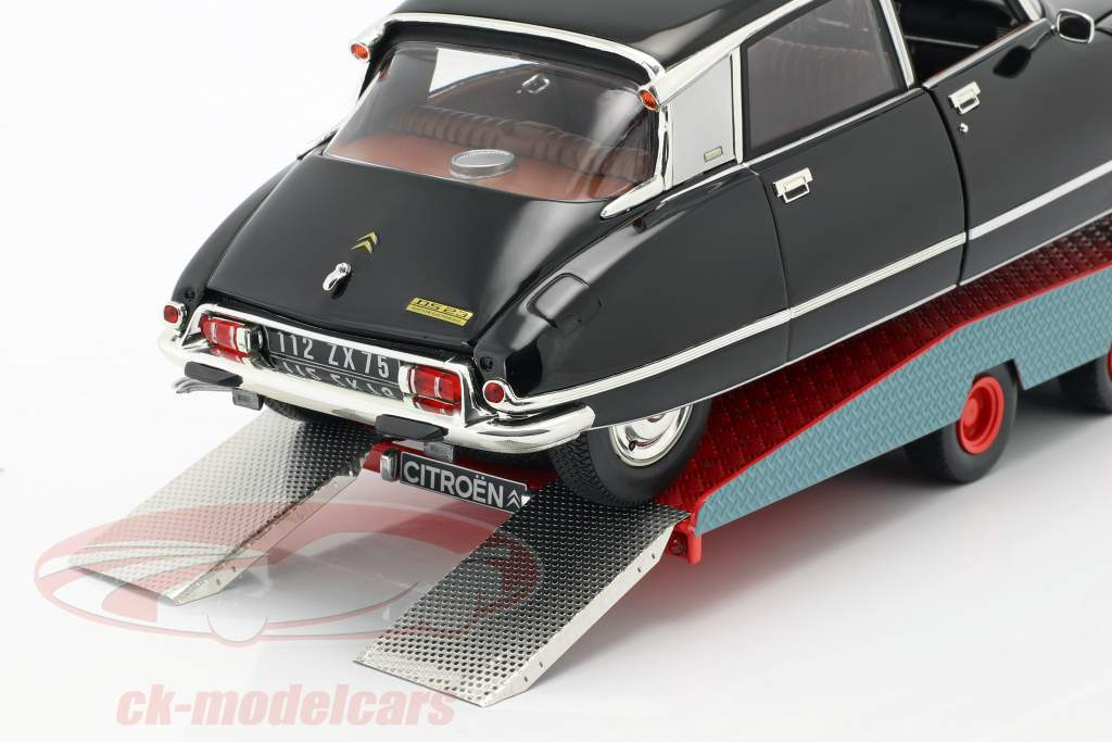 Citroen DS Tissier autotransporter blå / hvid / rød Opførselsår 1970 1:18 CMR