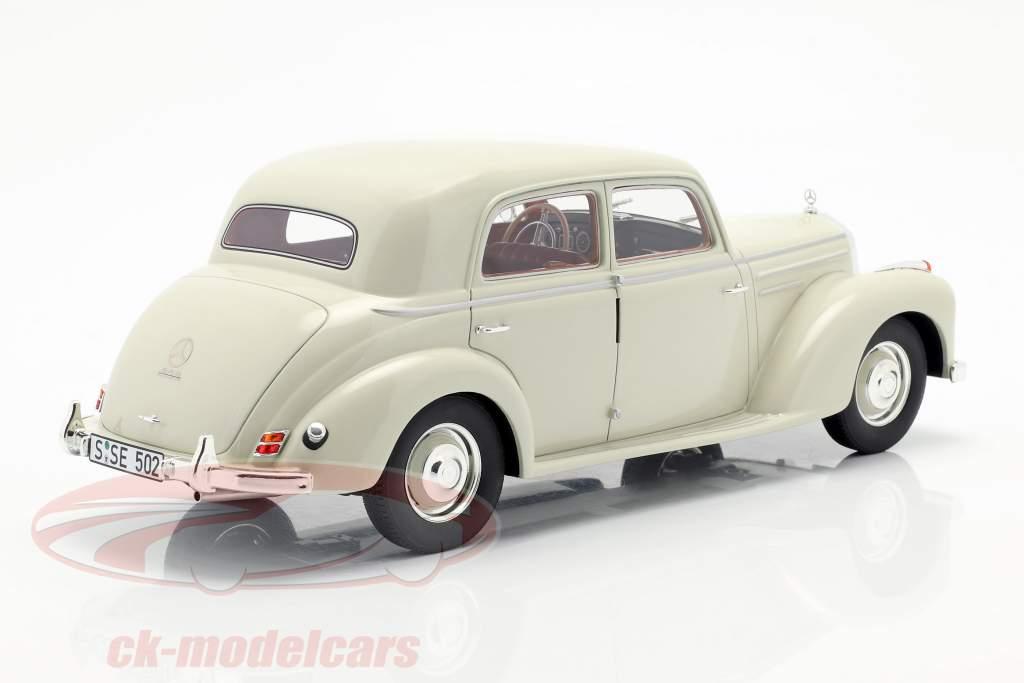 Mercedes-Benz 220 (W187) berlina anno di costruzione 1953 crema bianco 1:18 Cult Scale
