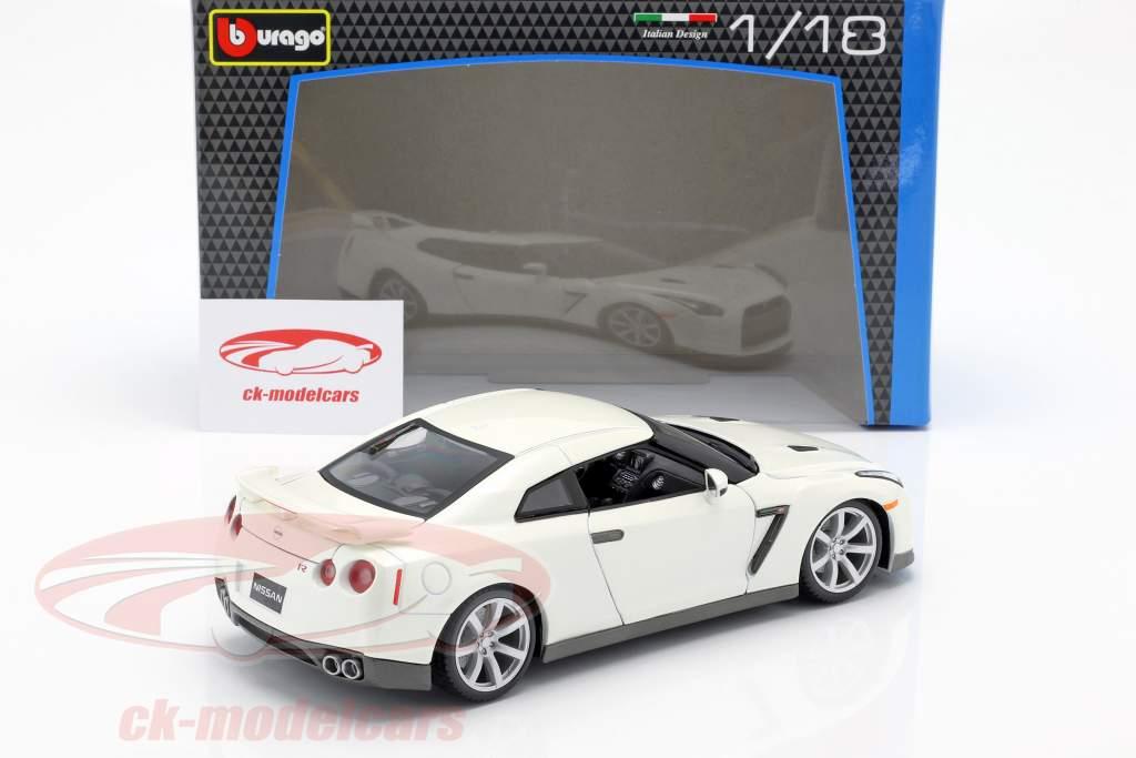 Nissan GT-R Ano 2009 branco 1:18 Bburago