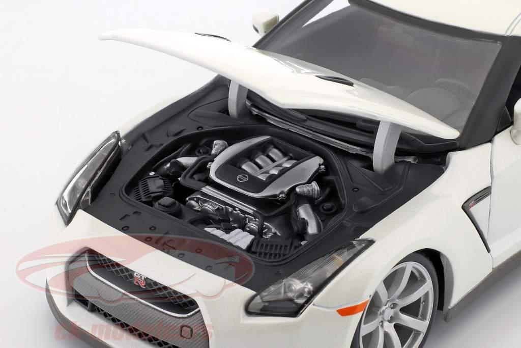 Nissan GT-R År 2009 hvid 1:18 Bburago