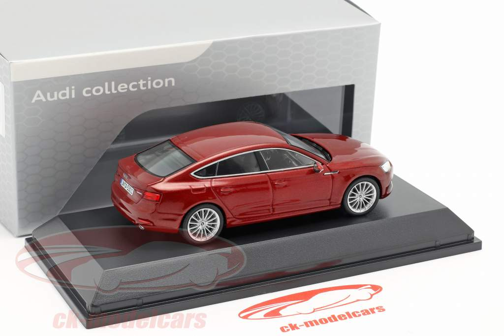 Audi A5 Sportback Bouwjaar 2017 matador rood 1:43 Spark