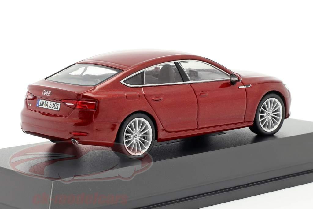 Audi A5 Sportback año de construcción 2017 matador rojo 1:43 Spark