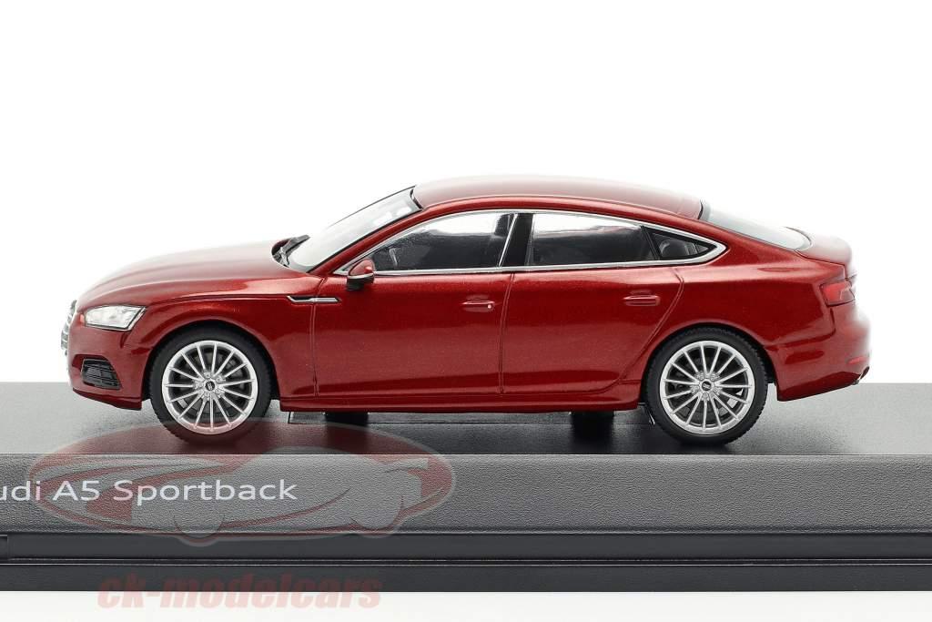 Audi A5 Sportback ano de construção 2017 matador vermelho 1:43 Spark