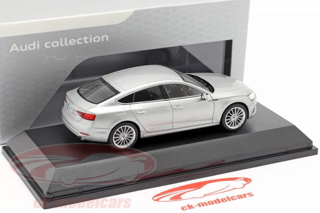 Audi A5 Sportback año de construcción 2017 plata Florett 1:43 Spark