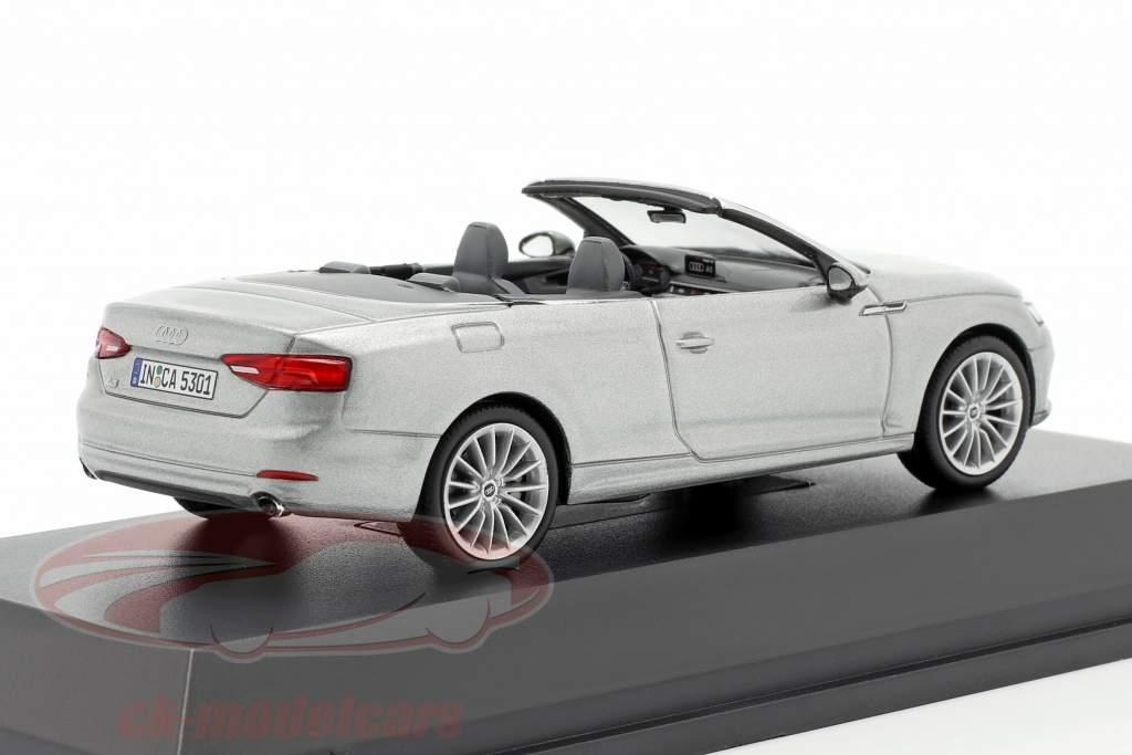 Audi A5 Cabriolet année de construction 2017 argent Florett 1:43 Spark