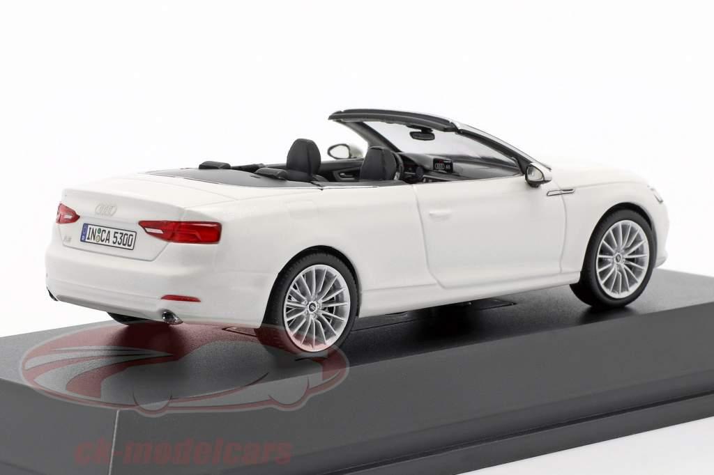 Audi A5 cabriolet anno di costruzione 2017 tofana bianco 1:43 Spark