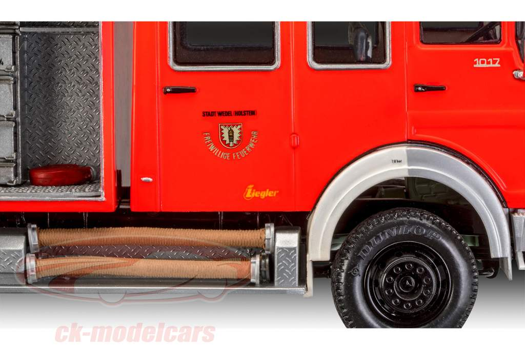 Mercedes-Benz 1017 LF 16 fire department Kit 1:24 Revell