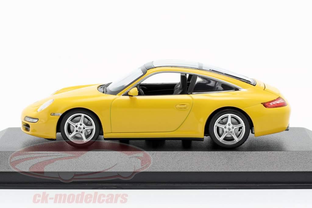Porsche 911 (997) Targa Bouwjaar 2006 geel 1:43 Minichamps