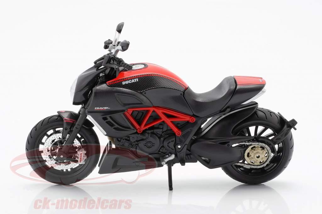 Ducati Diavel Carbon noir / rouge 1:12 Maisto
