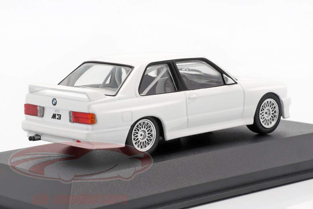BMW M3 (E30) Sport Evolution DTM 1992 Plain Body Version blanco 1:43 CMR