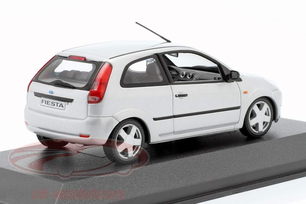 1//43 Minichamps ford fiesta 2002 plata precio especial 19,99 € en lugar de 34,95 €