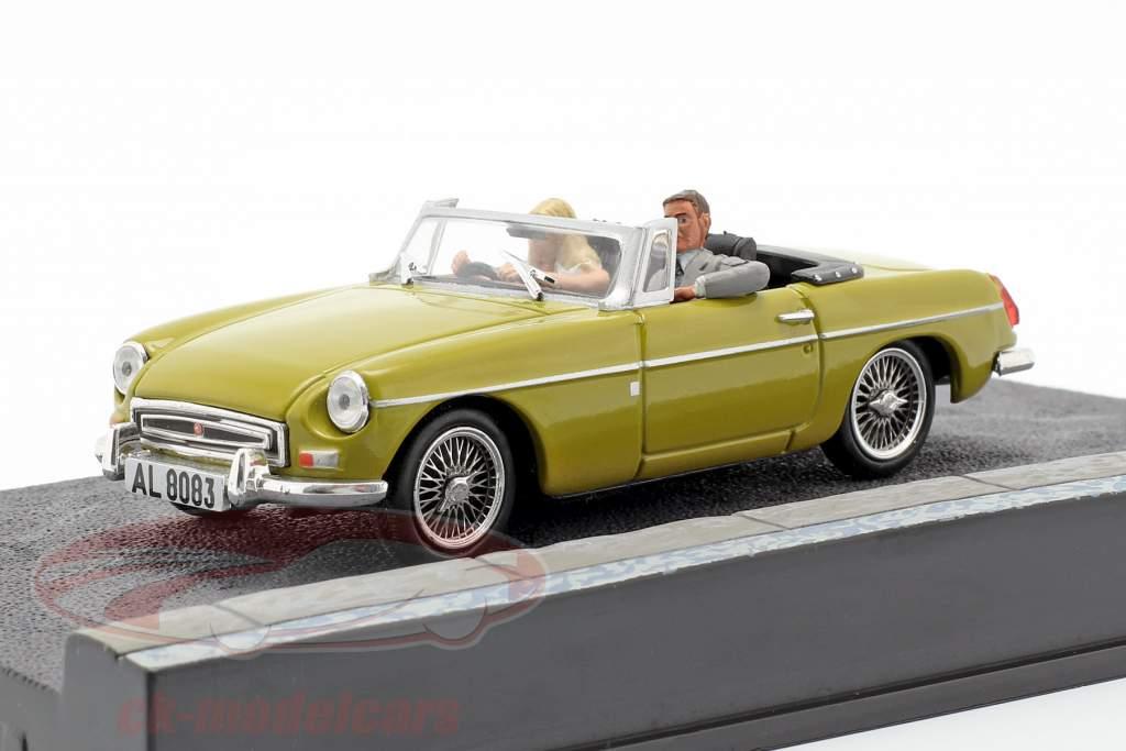 MGB James Bond Movie Car Met karakters The Man with the golden gun (1974) 1:43 Ixo