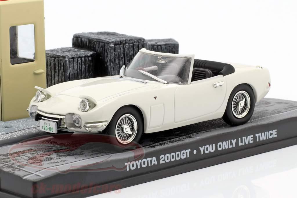 Toyota 2000GT James Bond You only live twice (1967) sans pour autant personnages 1:43 Ixo