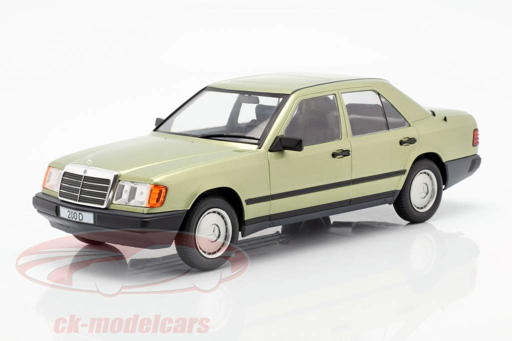 Mercedes-Benz 200 D (W124) year 1984 light green metallic 1:18 Model Car Group