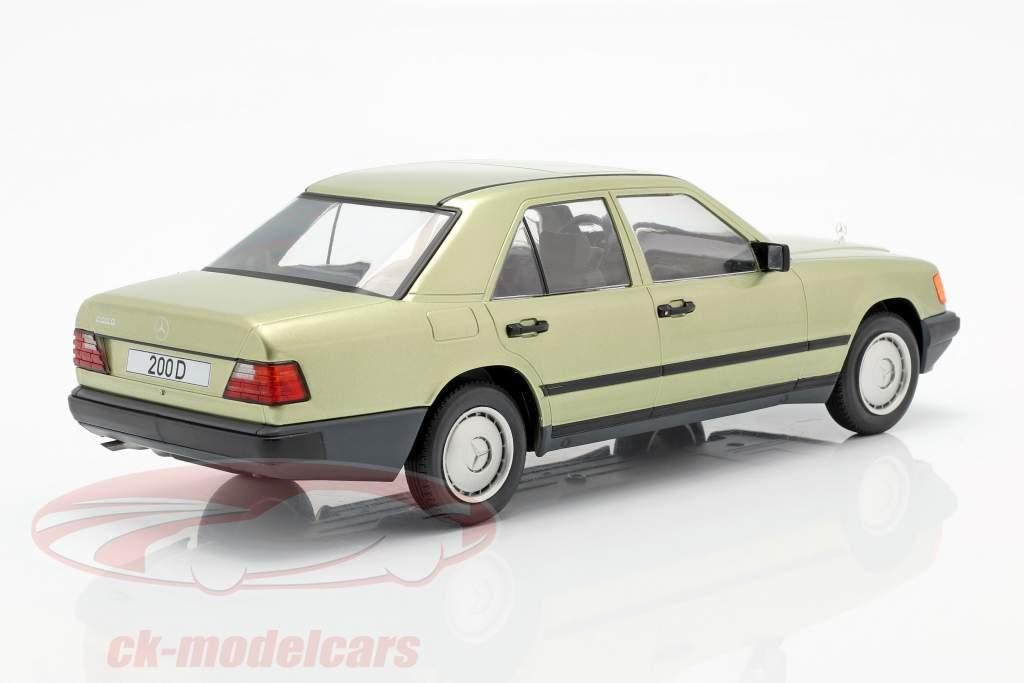 Mercedes-Benz 200 D (W124) año de construcción 1984 luz verde metálico 1:18 Model Car Group